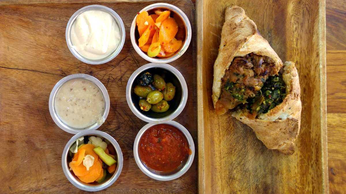 אישטבח מסעדה כשרה למהדרין בשוק מחנה יהודה בירושלים שמבורכ