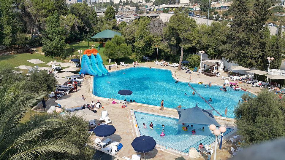 רמדה ירושלים מלון כשר למהדרין בירושלים בריכת המלון