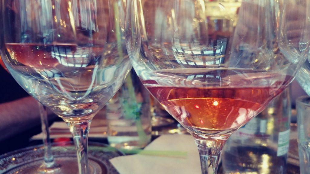 יינות כשרים מומלצים לארוחה חגיגית