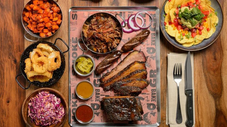 Harvey's Smokehouse הרוויס מסעדת בשרים כשרה בירושלים