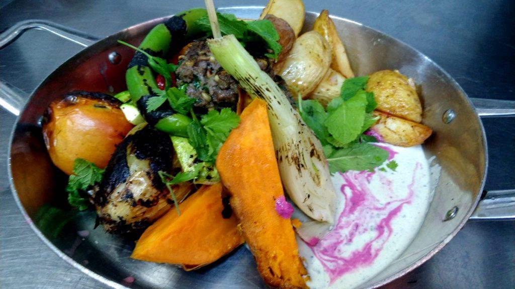 פסטיבל הקבב - קבב נוסח רמאללה במסעדת מאפו הכשרה של ניר צוק