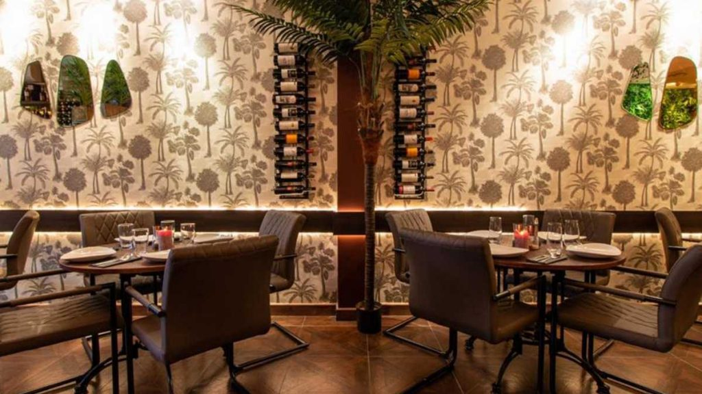 אסאדו מסעדה כשרה חדשה בלונדון פנים המסעדה Asado Kosher London
