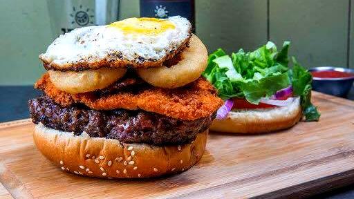 מיט אנד מיט מודיעין שניצל כטופניג להמבורגר