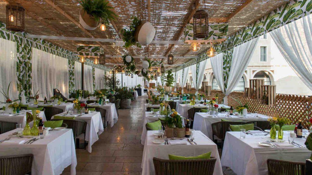 הסוכה של מסעדת הפי פיש בממילא בירושלים