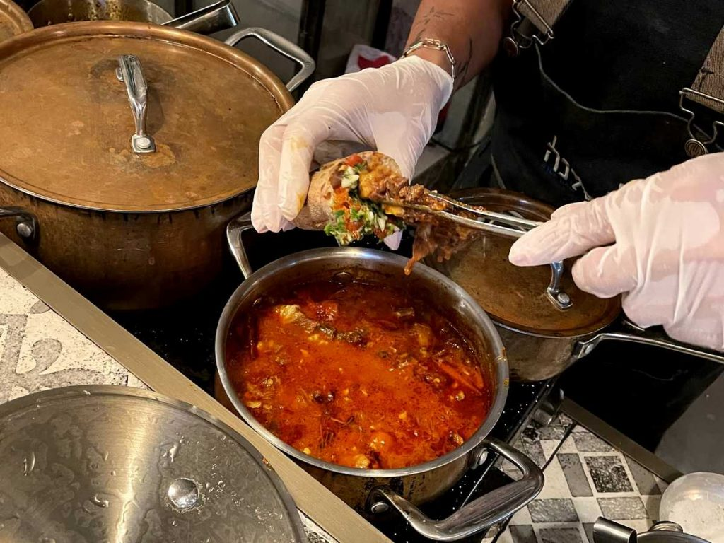 דיאלנה מסעדה כשרה בשוק מחנה יהודה
